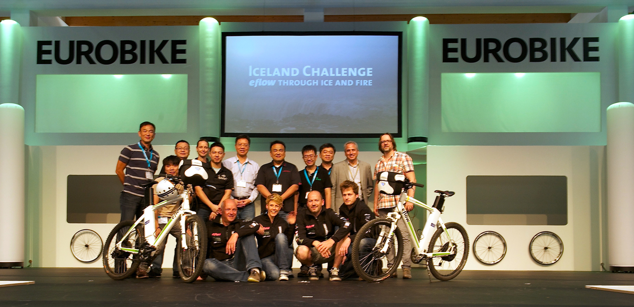 Pedelec Adventures and their sponsors celebrate the premiere of the Iceland tour film (Patrick Knappick)